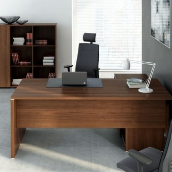 Kancelářské stoly - Kancelářský stůl masiv